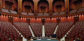 dimezzare i parlamentari